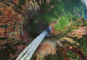 Le-salto-Angel-la-chute-deau-la-plus-haute-du-monde-au-Venezuela-437547